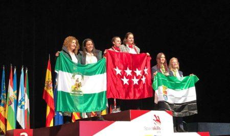 Marta López, alumna de moda, medalla de oro en la competición de FP Spainskills